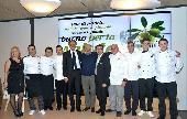 I cuochi finalisti di QOCO con il Sindaco Nicola Giorgino e l'Assessore allo Sviluppo economico Benedetto Miscioscia
